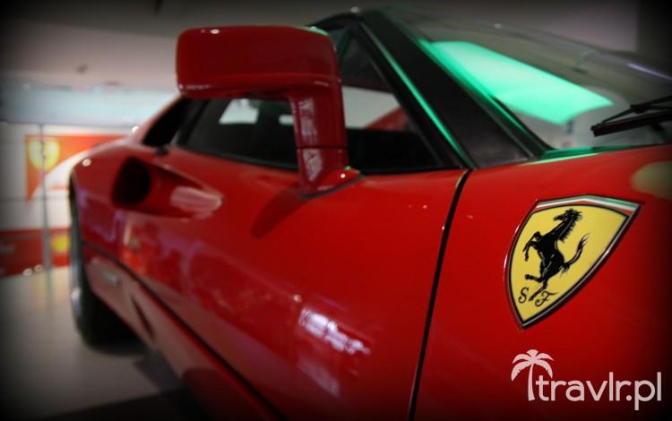 Wloty powietrza na drzwiach Ferrari 288 GTO