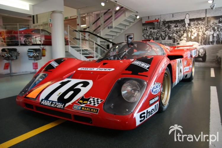 Ferrari 512 Davida Pipera