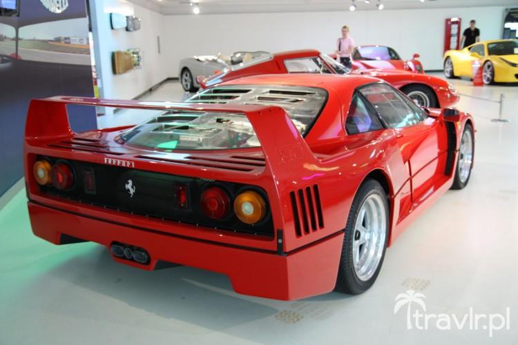 Tył Ferrari F40