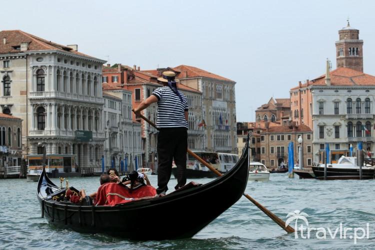 Gondola na Canal Grande w Wenecji
