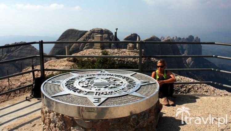 Kompas na szczycie Sant Jeroni Montserrat Katalonia