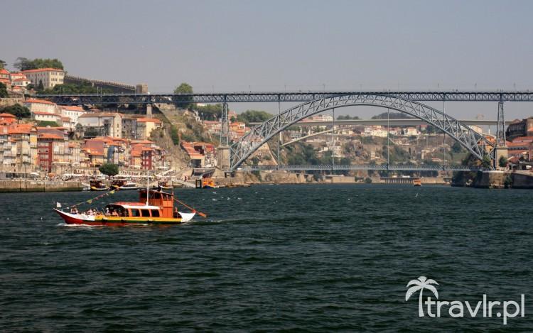 Most Ponte Dom Luis I widziany z Vila Nova de Gaia