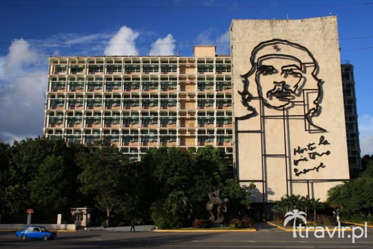 Mural Che na budynku kubańskiego Ministerstwa Spraw Wewnętrznych