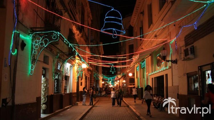 Ozdoby noworoczne na Calle Obispo