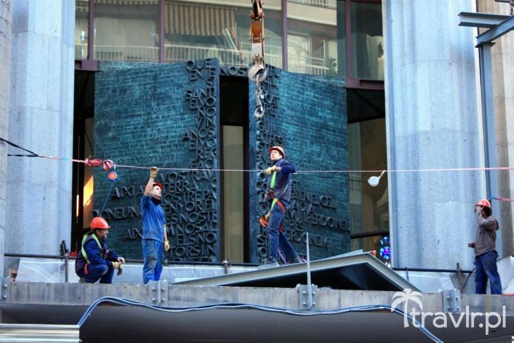 Prace budowlane w Sagrada Familia w Barcelonie