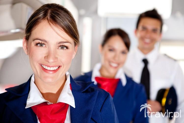 Stewardessa z personelu pokładowego