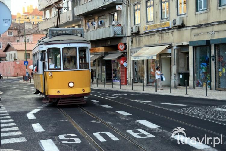Tramwaj linii 18 w Lizbonie