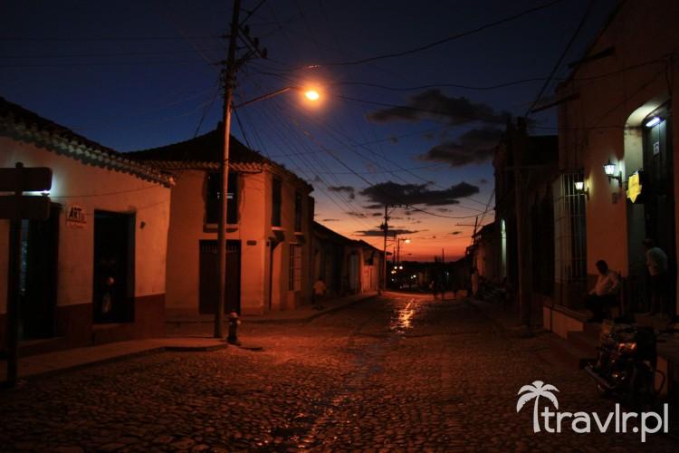 Trinidad o zachodzie słońca