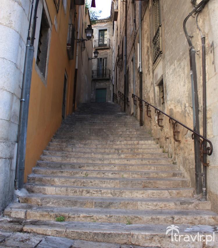 Uliczka w dzielnicy żydowskiej Girony, Katalonia