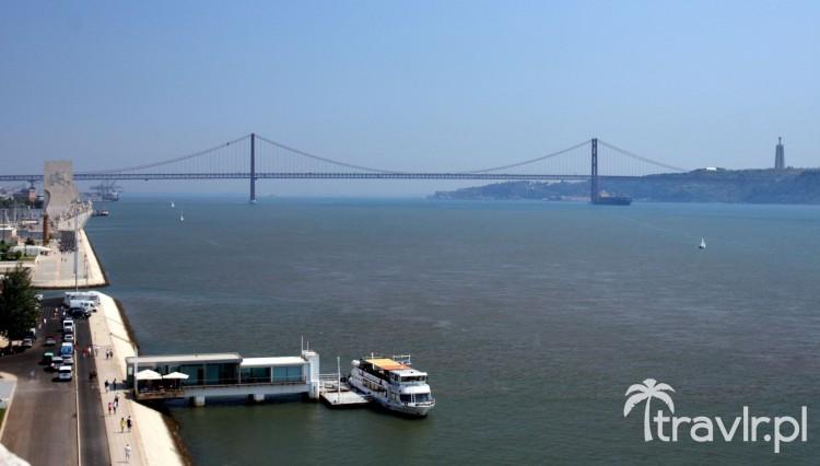 Widok na most 25 kwietnia z wieży Belem