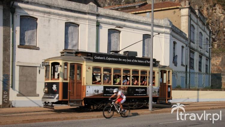 Zabytkowy tramwaj w Porto